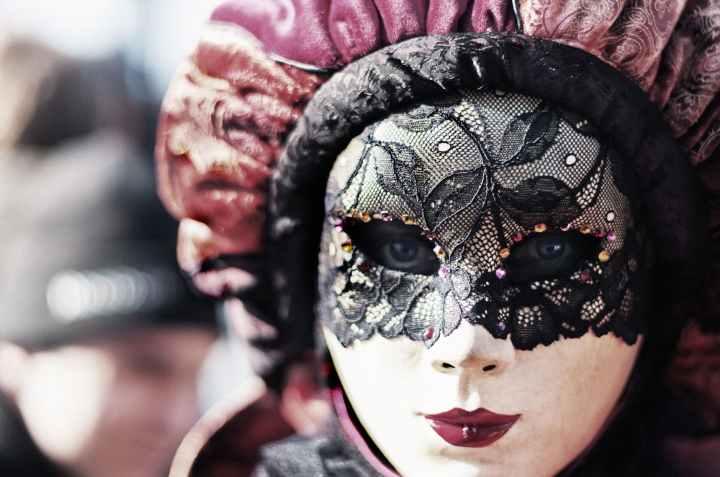Maskenfall statt Maskenball